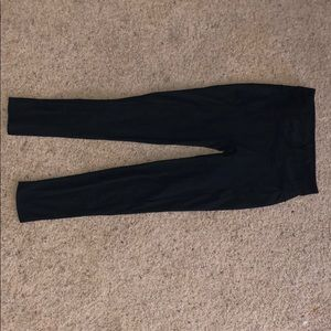 Lululemon legging size 6 inseam is 25 inches